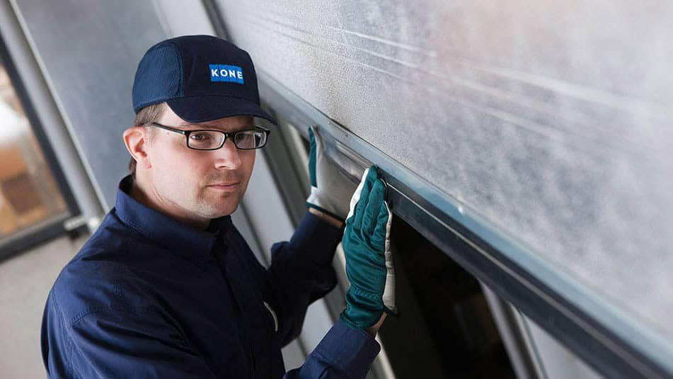 KONE maintenance solutions provide expert support for your automatic doors.